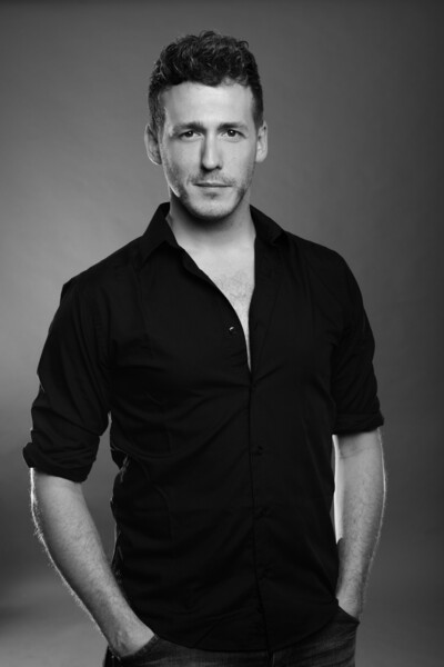 Luc Van Den Bergh.The Bodyguard Stage Entertainment